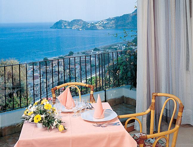 Honeymoon   Wedding receptions on Lake Garda