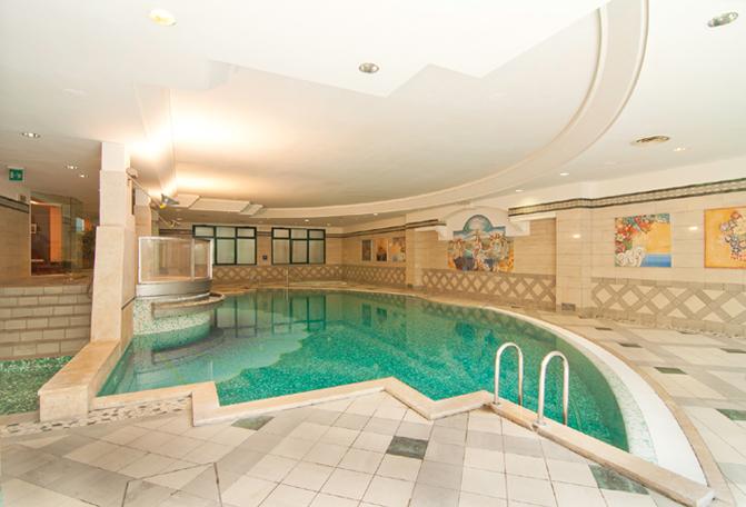 Caesar wellness bardolino lago di garda - Hotel lago garda piscina coperta ...